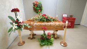 Addobbo floreale camera ardente casa funeraria